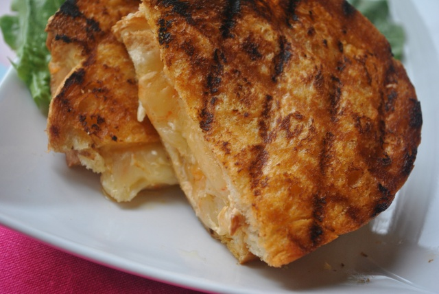 spicey grilled chicken grilled cheese 012